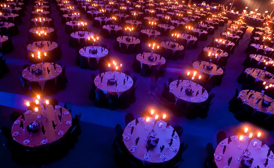 Corporate ball table setting for 1000 guests